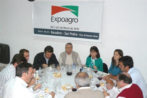 Empresarios de la zona asistieron a la reunión.