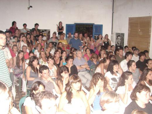 Una parte del numeroso público que colmó las instalaciones de La Esquina.