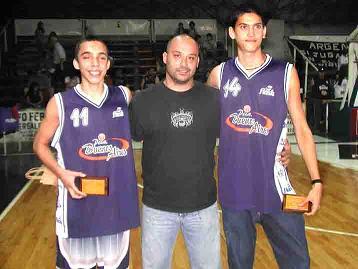 Camilo Paniagua, primero desde la derecha.