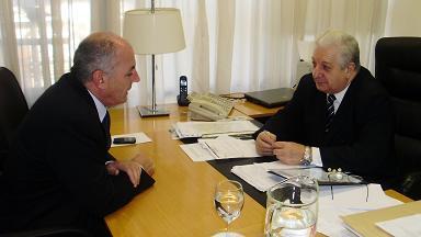 Horacio Delgado junto al Ministro Cuartango.